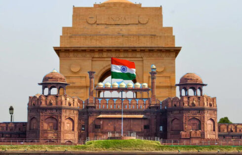 Travel Info About Delhi - Purchasing, Dining, and Accommodation